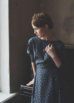 Amazing blue long dress for fall / winter - boho chic, bohemian style Braids outfit Fashion Mode, Modest Fashion, Look Fashion, 40s Fashion, Aesthetic Fashion, Winter Fashion, Fashion Dresses, Fashion Trends, Pretty Outfits
