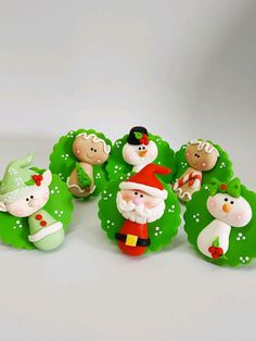 Polymer Clay Christmas, Christmas Ornament Crafts, Polymer Clay Crafts, Merry Christmas, Christmas Decorations, Xmas, Holiday Decor, Biscuits, Clay Mugs
