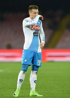 Piotr Zielinski of SSC Napoli in action during the Serie A match between SSC Napoli and Genoa CFC at Stadio San Paolo on February 10, 2017 in Naples, Italy.