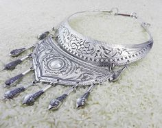 Silver Nomad Hmong Necklace Ethnic Tribal por CultureCross en Etsy