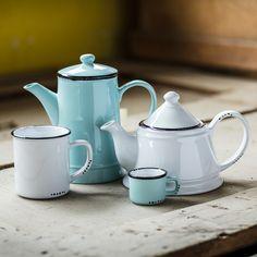 Coffee or tea... in this vintage look set!