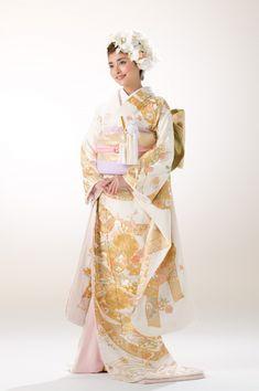 82ec94a1bd517 ... 婚など様々なブライダルをプロデュースする京鐘におまかせください。中でも撮影のみのプランも人気です。また東京・銀座で数百点の着物レンタル もご提供してます。