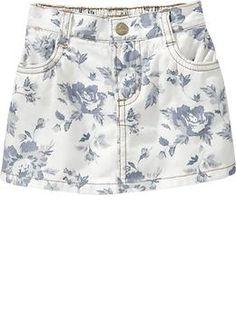 this little girl's skirt is so cute