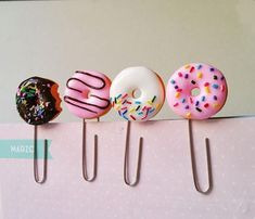 Set with four pink donuts clip paper planner bitten donut clip planner pink donut bookmark planner donut accessorize polymer clay donuts Yana Sytschow Polymer Clay Kawaii, Fimo Clay, Polymer Clay Projects, Polymer Clay Charms, Clay Crafts, Polymer Clay Sweets, Polymer Clay Miniatures, Food Crafts, Diy Fimo