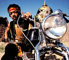 Remembering Jimi Hendrix on September at the age of the American musician died in London. Arguably the greatest instrumentalist in the history of rock music. Dumb Jokes, Smart Jokes, Purple Haze, Jimi Hendrix Frases, Motorcycle Gps, Rock Argentino, Jimi Hendrix Experience, Helping Other People, What Is Tumblr