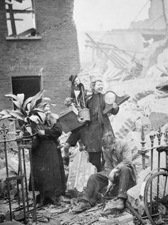 Air Raid Damage in London, 1940 HU36206 - The Blitz - Wikipedia, the free…