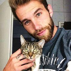 40 photos d'apollons en compagnie de leurs chatons - page 4