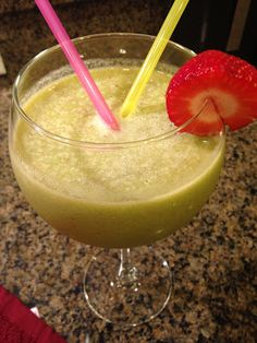 """The """"MORNING GOOD"""" nutribullet smoothie recipe: Kale, Banana, Apple, Pineapple, Strawberry, Flax Seed & Pumpkin Seed. Boost your metabolism while enjoying this tropical treat packed with nutrients and vitamins :) My Slice of Sunday"""