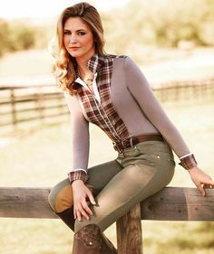 A beautiful and simple equestrian outfit. Perfect for practicing in style!