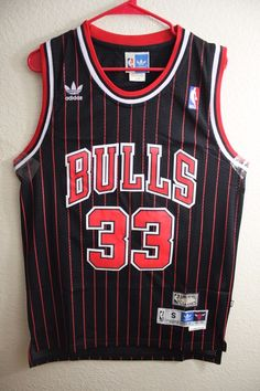 59cf78b1e Adidas NBA Chicago Bulls Scottie Pippen Hardwood Classic Swingman Men Jersey