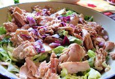 Egyszerű tonhalsaláta fogyókúrázóknak Healthy Salads, Healthy Recipes, Healthy Food, Health Lunches, Hungarian Recipes, Food 52, Light Recipes, Food Inspiration, Salad Recipes