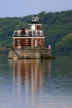 Hudson–Athens lighthouse located in the Hudson River, New York