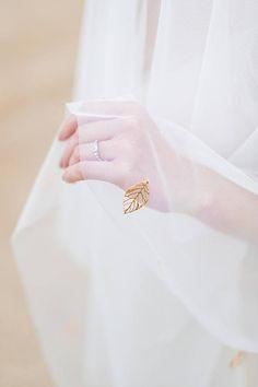 Stylish Girl Images, Stylish Girl Pic, Hand Photography, Wedding Photography, Wedding Veils, Wedding Dresses, Couture Beading, Dream Wedding, Wedding Day