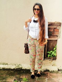 via Fashion Bombay Harem Pants, Trousers, Neck Piece, Fashion Night, Every Girl, Personal Style, Cool Outfits, Street Style, Style Inspiration