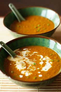 Spicy coconut lentil soup this coconut-lentil soup is vegan and gluten-free. Pureed Food Recipes, Veggie Recipes, Real Food Recipes, Soup Recipes, Cooking Recipes, Healthy Recipes, Vegan Soups, Vegan Dishes, I Love Food