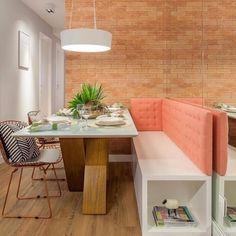 Cantinho mais charmoso {} Adoro a ideia de criar um banco na mesa de jantar  Ganha espaço e fica super convidativo { Projeto M2 Arquitetura }