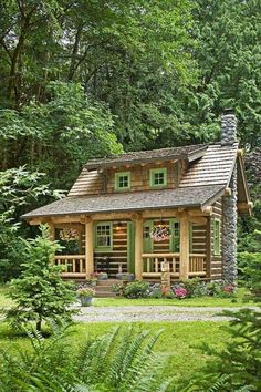 The small log cabin plans featured here pack a lot of punch inside their little packages. Cozy, picturesque exteriors belie the living large space found inside! Best Tiny House, Tiny House Cabin, Tiny House Design, Tiny Houses, Little Houses, Small Cabin Designs, Small Rustic House, Wood Houses, Guest Houses