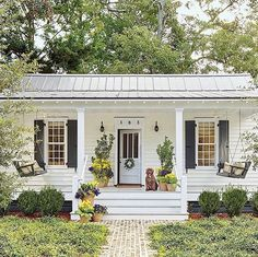 ": ""So much charm coming from this 660 square foot home via @southernlivingmag : @laureywglenn"""