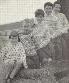 Knit Wear, Faroe Islands, Vests, Ravelry, Knitting Patterns, Couple Photos, Retro, Sweaters, Vintage