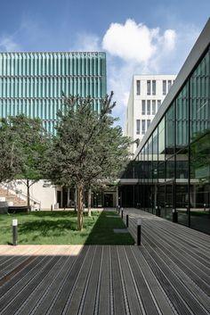 auer weber et arodie damian architectures / university centre ' des quais', lyon