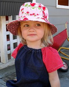 Suzie, aka Floosy Girl from No Moa has been sewing up a storm! Suzie has made several hats, all using the Oliver + S bucket hat pattern. Hat Patterns To Sew, Sewing Patterns Free, Free Sewing, Baby Patterns, Sewing Kids Clothes, Sewing For Kids, Toddler Sun Hat, Fleece Hats, Baby Sewing Projects