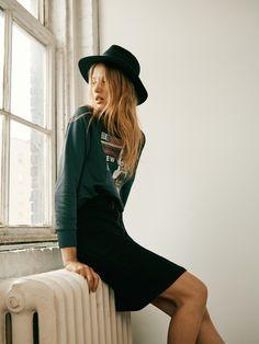 madewell denim zip pencil skirt worn with the snapshot sweatshirt + biltmore® & madewell straight-brim felt fedora. #denimmadewell