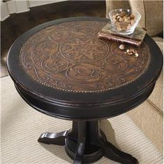 Hooker Furniture Seven Seas Round Pedestal Accent Table at Stoney Creek Furniture