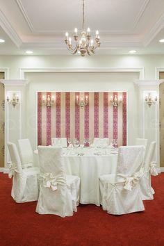 Fotografie pentru locatii, restaurant Presidential, Militari Other Rooms, Outlets, Restaurants, Chandelier, Ceiling Lights, Home Decor, Break Outs, Diners, Homemade Home Decor