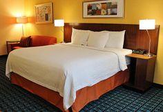 Hampton Inn - Hotel Room