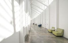 Florida-Polytechnic-University---IST-Building---Interior---Hallway-2_960 • TheCoolist - The Modern Design Lifestyle Magazine