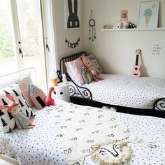 Darling shared girl's room with Lucky Boy Sunday house cushion and MiniWilla print. Baby Bedroom, Girls Bedroom, Ideas Hogar, Kids Room Design, Little Girl Rooms, Kid Spaces, Boy Room, Kids Furniture, Decoration