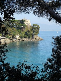 """The bay and the castle of paraggi """"Bonomi Bolchni"""", residence of the Berlusconi family"""