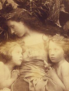 Une Sainte Famille - Julia Margaret Cameron, 1872