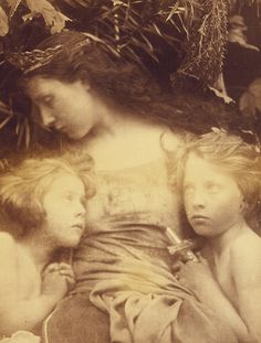 Une Sainte Famille - Julia Margaret Cameron, 1872.