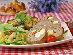 Ruladă din carne tocată de pasăre și ouă de prepeliță Erika, Pie