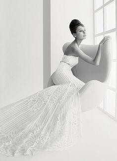 Audrey Hepburn look-alike beautiful  Classic beauty