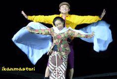 "Mbok Beruk and Hanung Bramantyo is the last performing of ""Laskar Dagelan Show"". Ending...! #maztrie #utroq #ikanmasteri"