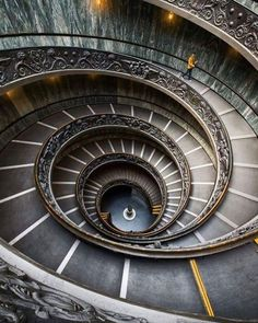 Stunning Spiral Stairs in Vatican Musuem by @vibrantshotphoto #fubiz #design #architecture  Mention @fubiz if you want to be featured on our Instagram