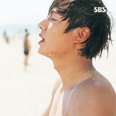 GIPHY is your top source for the best & newest GIFs & Animated Stickers online. Find everything from funny GIFs, reaction GIFs, unique GIFs and more. Lee Min Ho Shirtless, Shirtless Actors, Handsome Actors, Hot Actors, Korean Drama Movies, Korean Actors, Lee Min Ho 2017, Lee Min Ho Kdrama, Lee Min Ho Photos