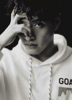 Serendipity - Kang Ha Neul for Esquire February 2020 Kang Haneul, Seo In Guk, Joo Hyuk, Broken Leg, Kdrama Actors, Moon Lovers, Jong Suk, Korean Artist, Breaking Bad