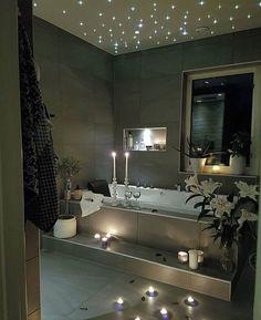 How beautiful is this bathroom by @lindawallgrenn 🌟🌟🌟 --- @homeadore
