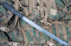 Mitchell Knives - Custom Wakizashi Sword: for the zombie apocalypse! Cool Knives, Knives And Tools, Knives And Swords, Zombie Survival Gear, Survival Knife, Guns, Hand To Hand Combat, Dagger Knife, Metal Welding