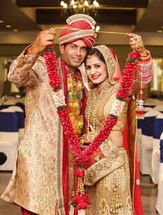 """Photo from album """"Wedding photography"""" posted by photographer FX Photography Indian Wedding Poses, Indian Bridal Photos, Indian Wedding Outfits, Indian Weddings, Indian Wedding Receptions, Asian Bridal, Couple Wedding Dress, Wedding Couple Photos, Wedding Couples"""