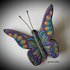 Dot Art Painting, Mandala Painting, Pebble Painting, Painting Patterns, Butterfly Mandala, Mandala Dots, Mandala Design, Bead Embroidery Jewelry, Beaded Embroidery