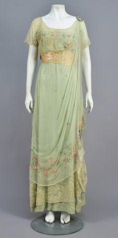 Edwardian Dress, Edwardian Fashion, Vintage Fashion, 1920s Dress, Flapper Dresses, Antique Clothing, Historical Clothing, Historical Dress, Vintage Gowns