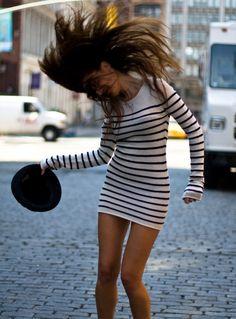 striped-dress-street-style-hat