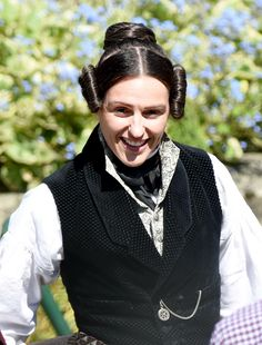 First look at Doctor Foster star Suranne Jones in period costume as she films new BBC drama Gentleman Jack Faye Brookes, Timothy West, Dr Foster, Suranne Jones, Peter Davison, Bbc Drama, Gentleman Jack, Period Costumes, Expecting Baby