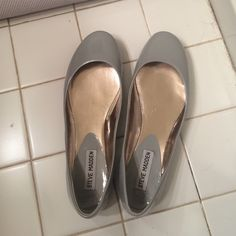 Gray Steve Madden Flats Worn once, great condition Steve Madden Shoes Flats & Loafers