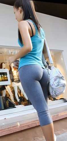 VYPIC alter: Visual Yoga Pants in Crack!