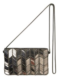Cross the shoulder bag from VERO MODA. This metallic look bag works perfect as a party accessory.